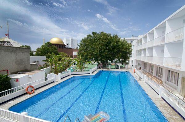 Holidays at Playasol Marco Polo II in San Antonio, Ibiza