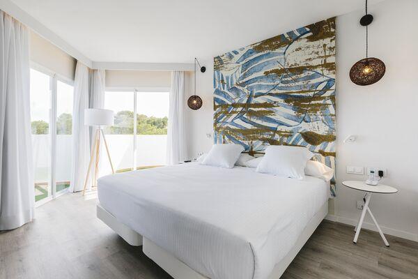 Holidays at Aluasoul Mallorca Resort in Cala Egos, Majorca