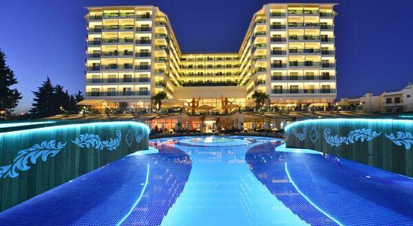 Holidays at Azura Deluxe Resort And Spa Hotel in Avsallar, Antalya Region