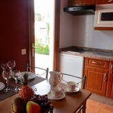 Los Rosales Apartments Picture 6
