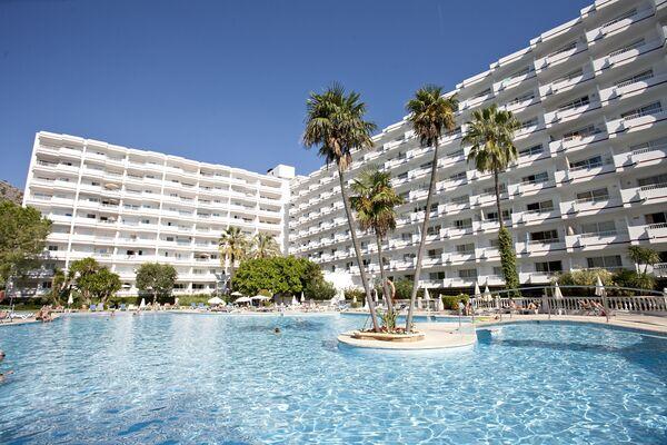 Holidays at Siesta I Apartments in Alcudia, Majorca