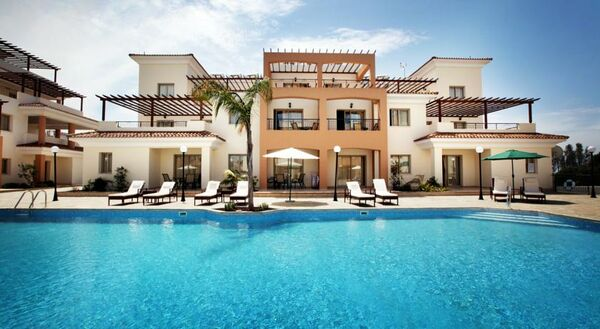 Holidays at Oracle Exclusive Apartment Resort in Paphos, Cyprus