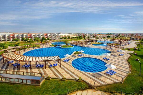 Holidays at Sunrise Grand Select Crystal Bay Resort in Safaga Road, Hurghada