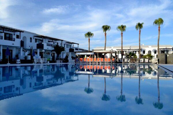 Holidays at Plaza Azul Apartments in Puerto del Carmen, Lanzarote