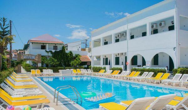 Holidays at Chandris Apartments in Kavos, Corfu