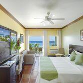 Coconut Court Beach Hotel Picture 5