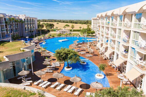 Holidays at Eix Alzinar Mar Suites Hotel - Adult Only in Ca'n Picafort, Majorca