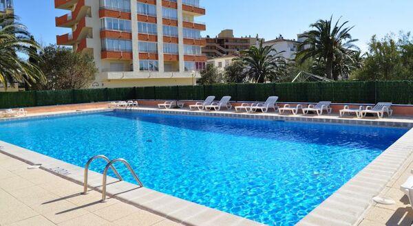 Holidays at Nautilus Hotel in Roses, Costa Brava
