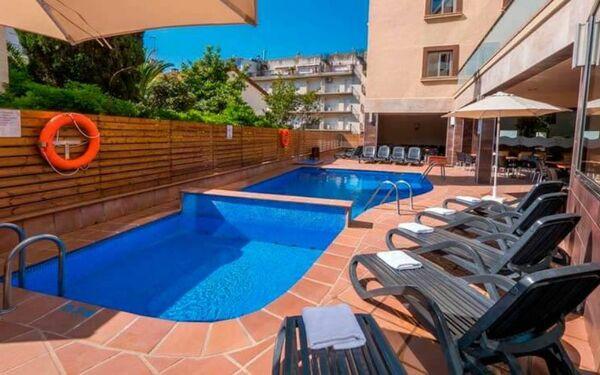 Holidays at Tossa Beach Center in Tossa de Mar, Costa Brava
