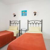 Corona Mar Apartments Picture 5