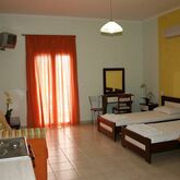 Lazaratos Hotel Picture 3