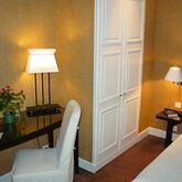 Holidays at De La Jatte Hotel in West La Defense, Paris