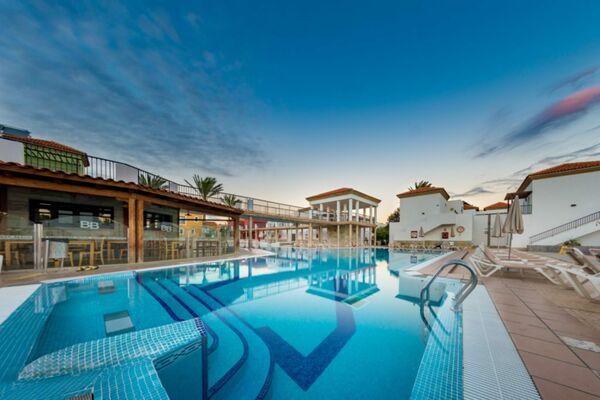 Holidays at Broncemar Beach Aparthotel in Caleta De Fuste, Fuerteventura