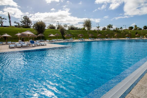 Holidays at Alvor Baia Resort Hotel in Alvor, Algarve