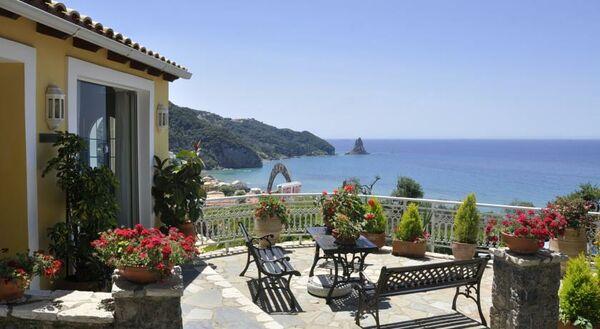 Holidays at Mazis Studios & Apartments in Agios Gordios, Corfu