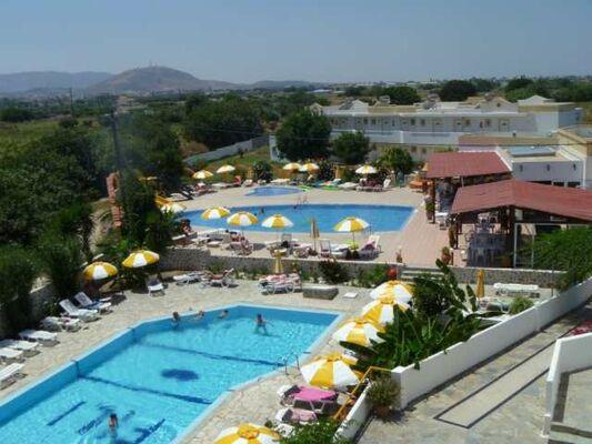 Holidays at Fili Apartments in Tingaki, Kos