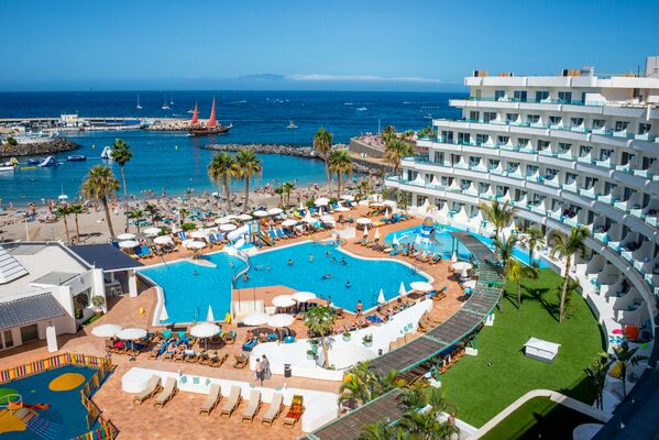 Holidays at Hovima La Pinta Beachfront Family Hotel in Torviscas, Costa Adeje