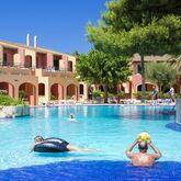 Holidays at Club Andria Aparthotel in Cala Santandria, Menorca