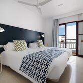 Broncemar Beach Aparthotel Picture 4