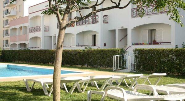 Holidays at Kings Apartments in Quarteira, Algarve