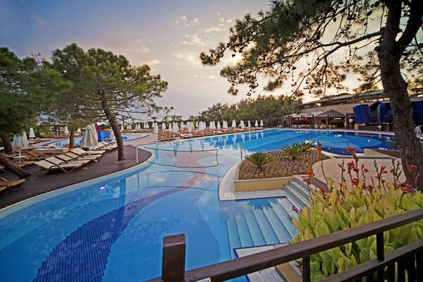Holidays at Sueno Hotels Beach Side in Titreyingol Side, Side