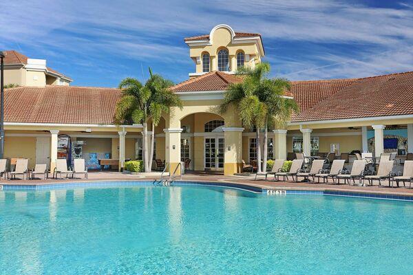 Holidays at Vista Cay By Millenium in Orlando International Drive, Florida