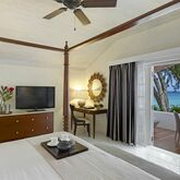 Colony Club by Elegant Hotels Picture 3