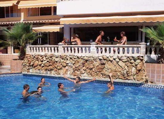 Holidays at Manaus Hotel in El Arenal, Majorca