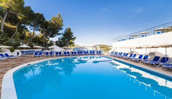 Holidays at Globales Montemar Apartments in Cala Llonga, Ibiza