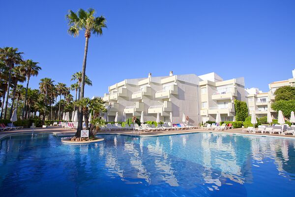 Holidays at Hipotels Mediterraneo Club Aparthotel in Sa Coma, Majorca