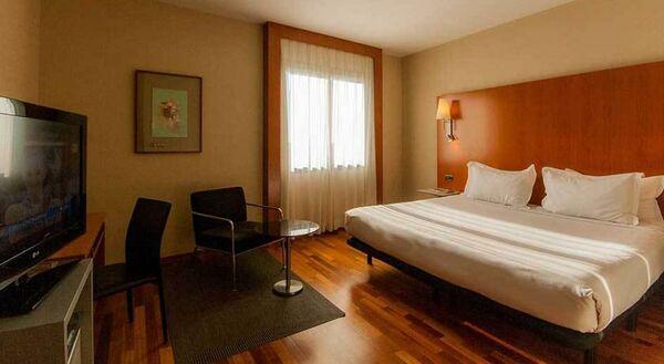 Holidays at H2 Elche Hotel in Elche, Costa Blanca