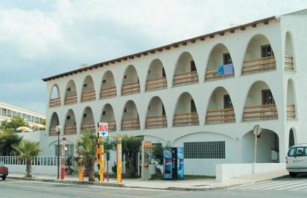 Holidays at Stil Bonsai Hotel in Ca'n Picafort, Majorca