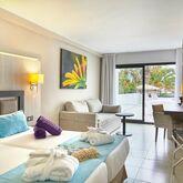 Fergus Style Bahamas Picture 6