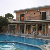 Holidays at Makis Apartments in Moraitika, Corfu