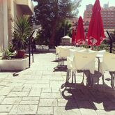 Luxmar Apartments Picture 15