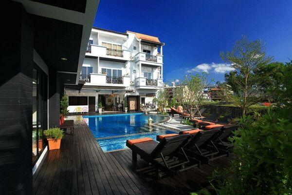 Holidays at Patong Paradee Resort in Phuket Patong Beach, Phuket