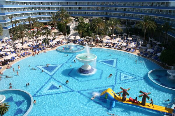 Holidays at Mediterranean Palace Hotel in Playa de las Americas, Tenerife