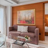 Bellevue Suites Picture 6