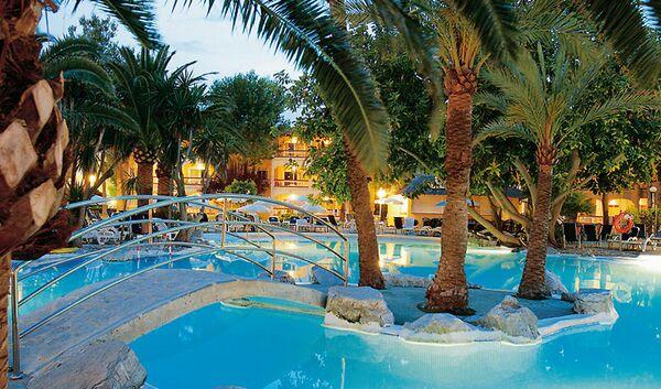 Holidays at Alcudia Garden Apartments in Alcudia, Majorca