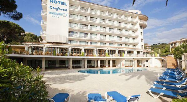 Holidays at Ilunion Caleta Park Hotel in SAgaro, Costa Brava