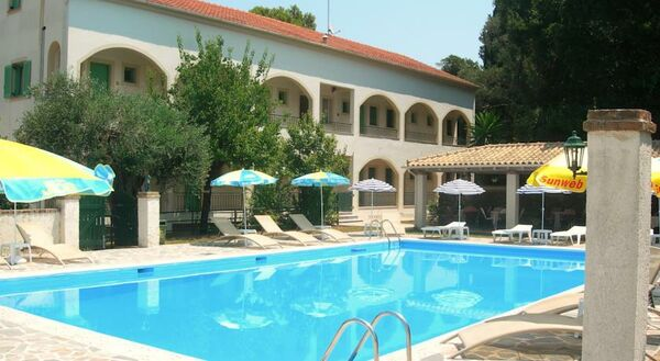Holidays at Villa Karmar Apartments in Kato Korakiana, Dassia