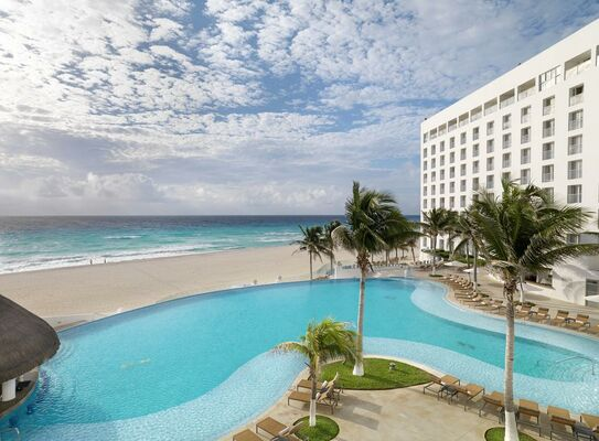 Holidays at Le Blanc Spa Resort Hotel in Cancun, Mexico