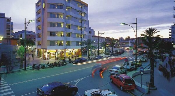 Holidays at Xaine Sun Apartments in Lloret de Mar, Costa Brava