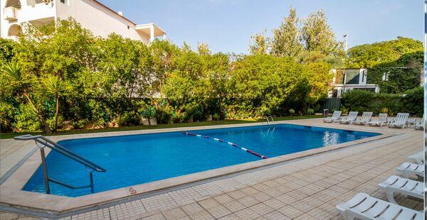 Holidays at Eirasol Apartments in Albufeira, Algarve