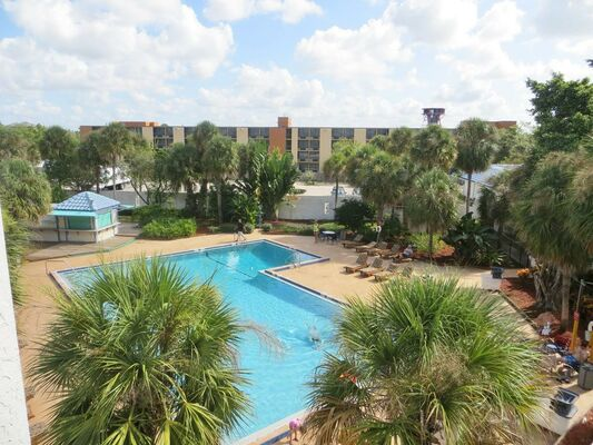 Holidays at Monumental Movieland Hotel in Orlando International Drive, Florida