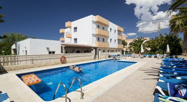 Holidays at Zodiac Apartaments in San Antonio Bay, Ibiza