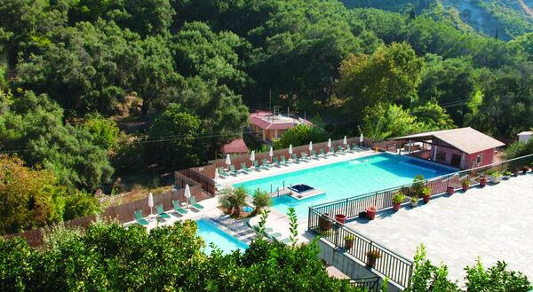Holidays at Niouris Apartments in Agios Gordios, Corfu
