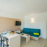 Holiday Center Apartments Picture 8