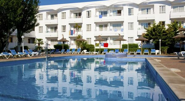 Holidays at Hobby Club Aparthotel in Puerto de Pollensa, Majorca