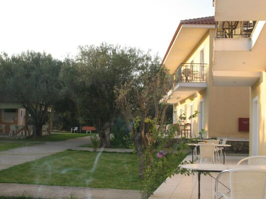 Holidays at Pythos Studios and Apartments in Svoronata, Kefalonia